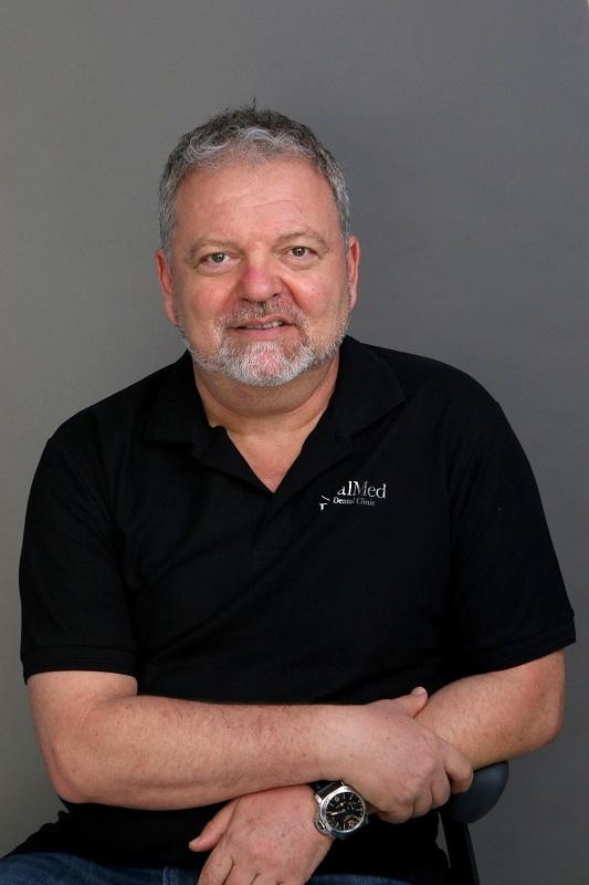 Adrian Kahn